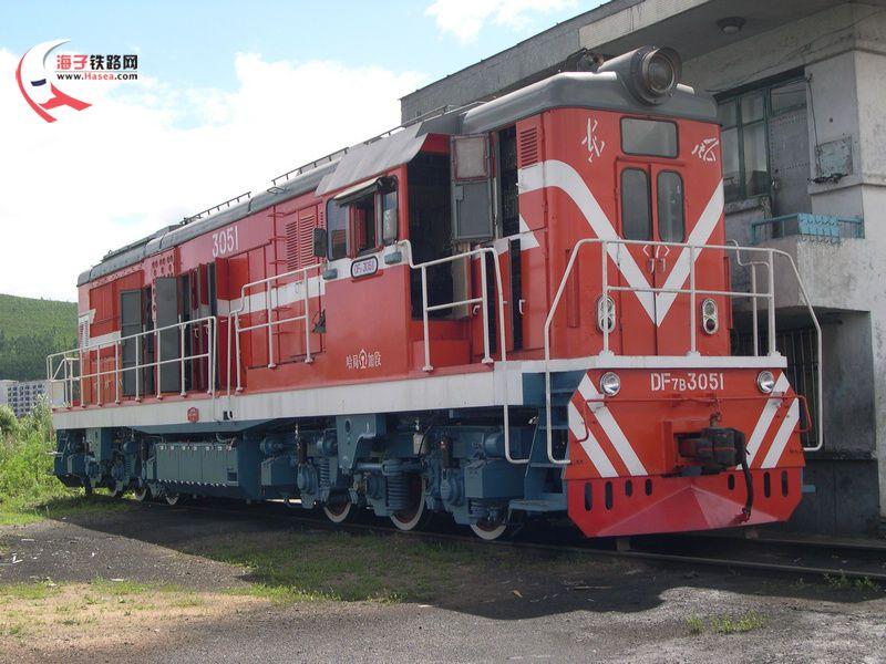 0kn东风8b型内燃机车的介绍答:东风8b型柴油机车(df8b),是中国铁路