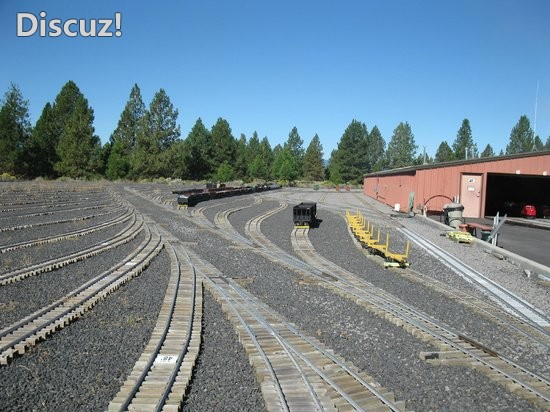 train-mountain-railroad.jpg